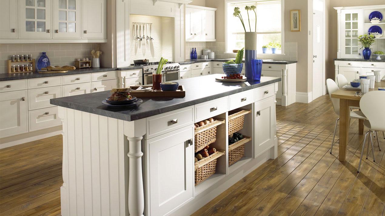 EA Kitchens Davenport platinum